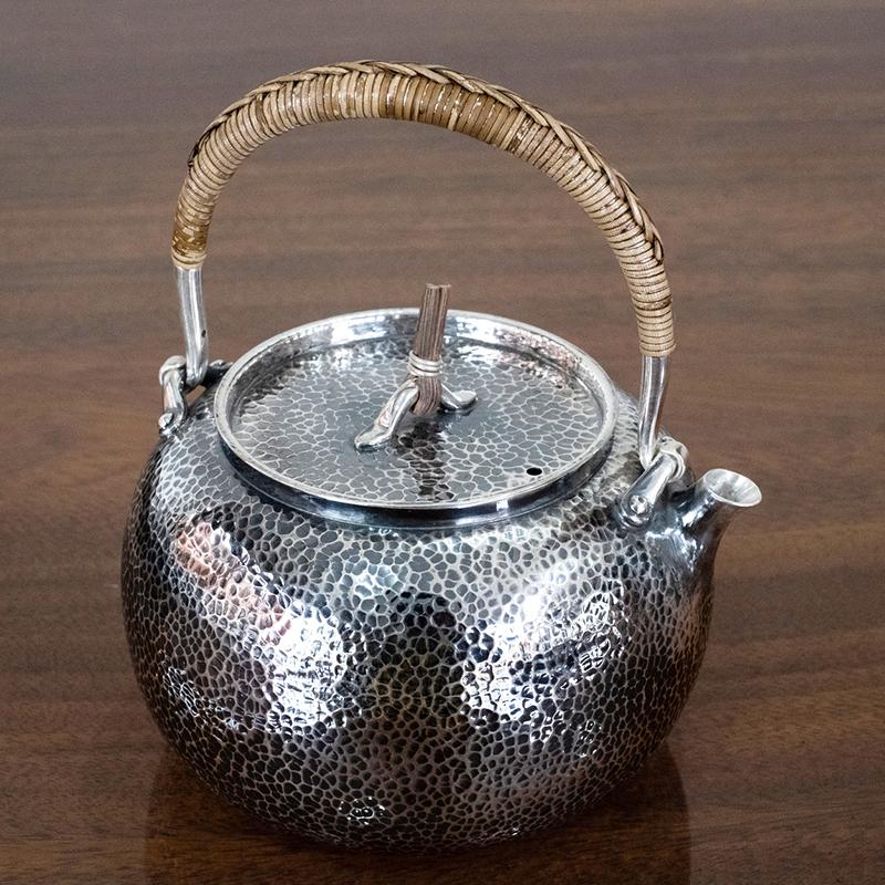 藤纽锤纹手工银壶(烧水壶)